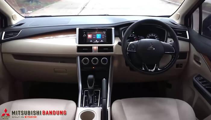 Dashboard Mitsubishi Xpander