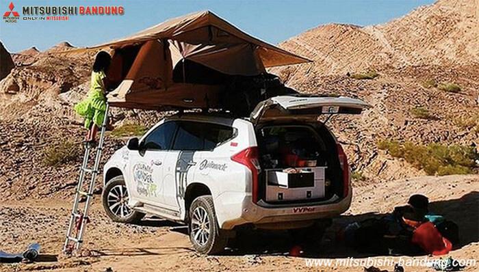 Mobil Plat Nomor Indonesia Disapa Warga Iran Dengan Ramahnya